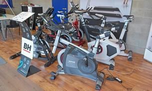 Scava Grobbendonk fitness showroom: Fietstainers van de merken Kettler, BH Fitness
