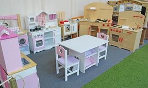 Scava Grobbendonk indoor showroom: Kinderkeukens van de merken Kidkraft, Pinolino, Step2, Rimex Toys, Van Dijk Toys, Howa