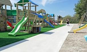Scava Grobbendonk outdoor showtuin: Speeltoestellen en schommels van de merken Jungle Gym, Boisy